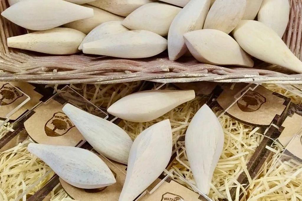 中米から南米にかけての熱帯雨林に生息する、「マルパ / Marupa」ウッドから作られるクランクベイト。